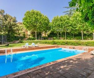 Villa   à Vilanova del Valles pour 35 personnes avec piscine privée p0