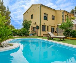 Appartement   à Sant Cebrià de Vallalta pour 8 personnes avec piscine privée p0