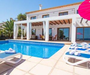 Villa   à Benissa pour 8 personnes avec piscine privée et vue mer p2