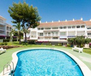 Apartamento   Alcoceber para 6 personas con piscina comunitaria y alrededor de la playa p0
