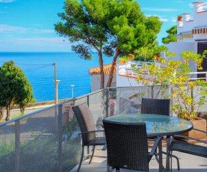 Villa   à Llançà pour 4 personnes avec piscine commune p0