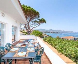 Villa   à Llançà pour 11 personnes avec piscine commune p0