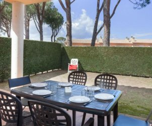 Villa   à L'Escala pour 6 personnes avec piscine commune p1