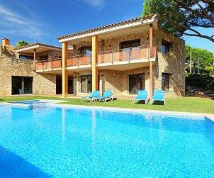Villa   à Calonge - Sant Antoni de Calonge pour 17 personnes avec piscine privée p1
