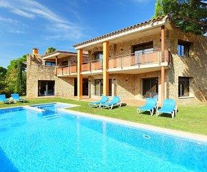 Villa   à Calonge - Sant Antoni de Calonge pour 17 personnes avec piscine privée p2