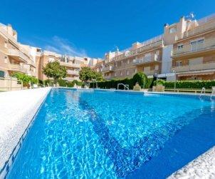 Appartement   à Cunit pour 5 personnes avec piscine commune p1