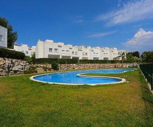 Villa   à Salou pour 8 personnes avec piscine commune p1