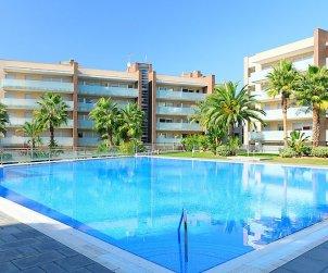 Appartement   à Salou pour 4 personnes avec piscine commune p0