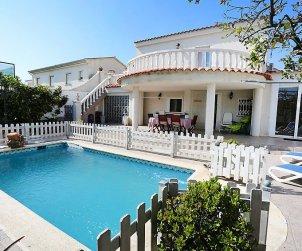 Villa   à Cambrils pour 8 personnes avec piscine privée p0