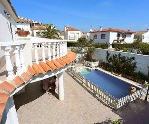 Villa   à Cambrils pour 8 personnes avec piscine privée p2
