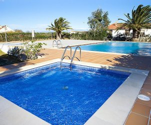 Apartamento   Deltebre  -  Riumar para 3 personas con piscina comunitaria p1