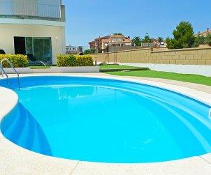 Villa   à L'Ampolla pour 8 personnes avec piscine privée p1