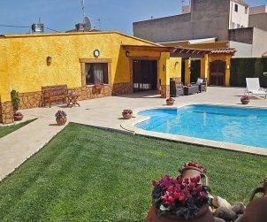 Villa   à L'Ampolla pour 6 personnes avec piscine privée p1