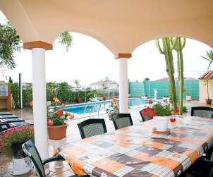 Villa   à Alcanar pour 9 personnes avec piscine privée p2