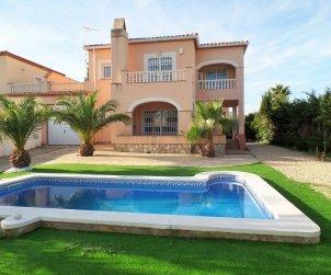 Villa   à Ametlla de Mar pour 8 personnes avec piscine privée p0