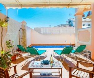 Villa   à Nerja pour 8 personnes avec piscine privée p1
