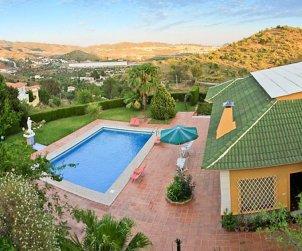 Villa   à Málaga  -  Puerto de la Torre pour 8 personnes avec piscine privée p0