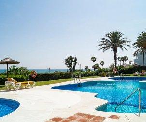 Villa   à Mijas pour 8 personnes avec piscine commune p0