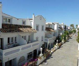 Villa   à Mijas pour 8 personnes avec piscine commune p2
