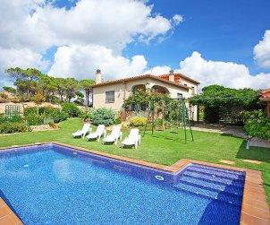 Villa   à Vidreres pour 6 personnes avec piscine privée p0