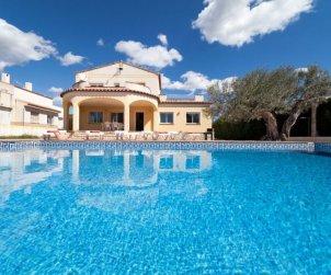 Villa   à Ametlla de Mar pour 11 personnes avec piscine privée p1