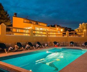 Villa   à Calpe pour 8 personnes avec piscine privée, climatisation et internet p0