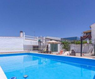 Villa   à Granada - Cacín pour 4 personnes avec piscine privée p0