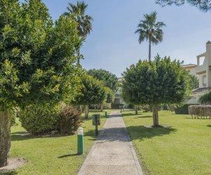 Villa   à Chiclana de la frontera pour 6 personnes avec piscine commune p2