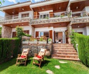 Villa   à Tossa de Mar pour 7 personnes avec piscine commune p1