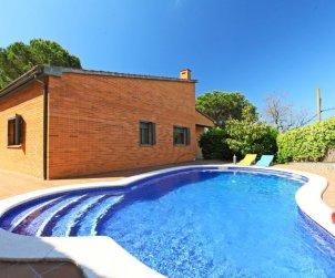 Villa   à Lloret del Mar pour 6 personnes avec piscine privée p2