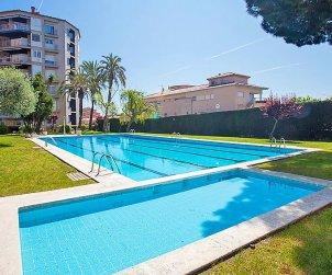 Villa   à Calella de la Costa pour 5 personnes avec piscine commune p1