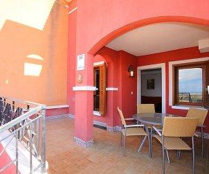 Villa   à Benidorm pour 6 personnes avec piscine commune p2