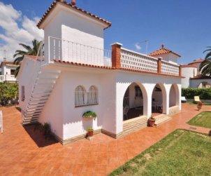 Villa   à Cambrils pour 8 personnes avec parking dans la propriete p0