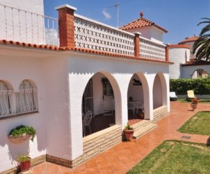 Villa   à Cambrils pour 8 personnes avec parking dans la propriete p2