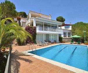 Villa   à Lloret del Mar pour 6 personnes avec piscine privée p0