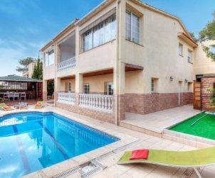 Villa   à Lloret del Mar pour 14 personnes avec piscine privée p0