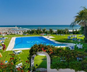 Apartamento   Marbella para 2 personas con piscina comunitaria p0