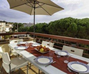 Villa   à Llançà pour 6 personnes avec piscine commune p0