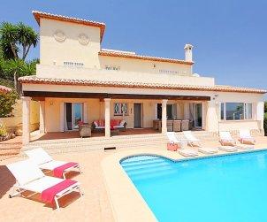 Villa   à Moraira pour 8 personnes avec piscine privée p1