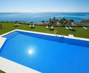 Apartamento   Torrox Costa para 2 personas con piscina comunitaria p1