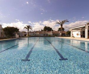 Villa   à Deltebre  -  Riumar pour 6 personnes avec piscine commune p1