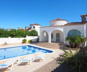 Villa   à Empuriabrava pour 6 personnes avec piscine privée p2