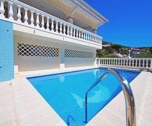 Villa   à Rosas pour 10 personnes avec piscine privée p2