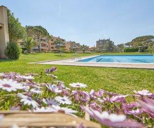 Appartement   à Pals pour 7 personnes avec piscine commune p2