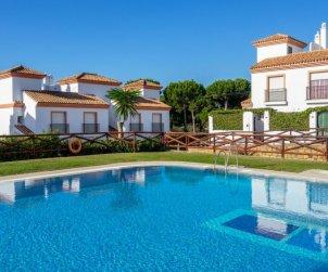 Villa   à Marbella pour 6 personnes avec piscine commune p2