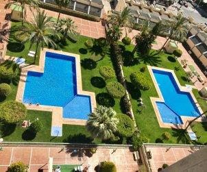 Appartement climatisé  à Benidorm pour 6 personnes avec piscine commune p1