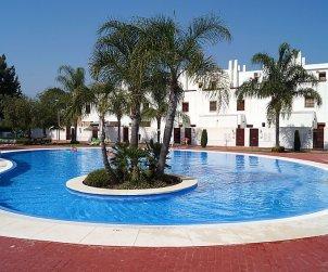 Villa   à Mijas pour 6 personnes avec piscine commune p0