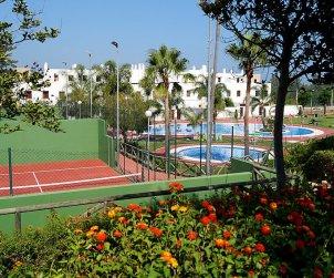 Villa   à Mijas pour 6 personnes avec piscine commune p1