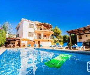 Villa   à Benissa pour 12 personnes avec piscine privée, petite vue mer et internet p0