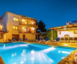 Villa   à Benissa pour 12 personnes avec piscine privée, petite vue mer et internet p1